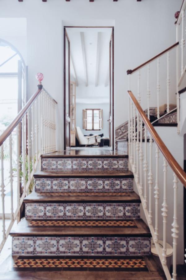 artistic-staircase-design