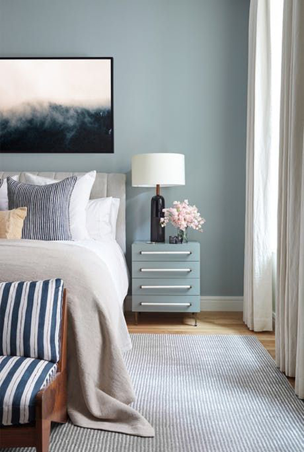 best-blue-accent-wall-bedroom