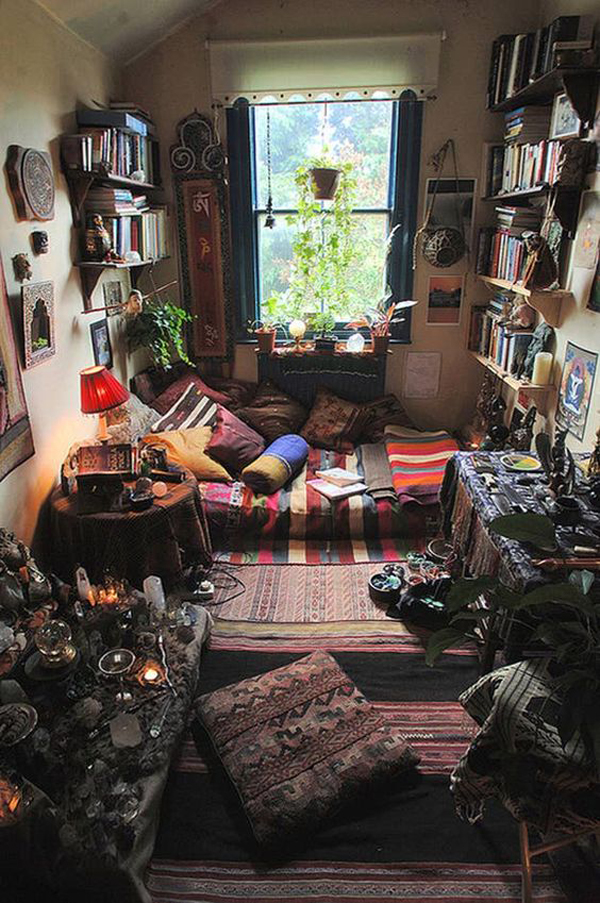 bohemian-style-bedroom-with-grunge-accent