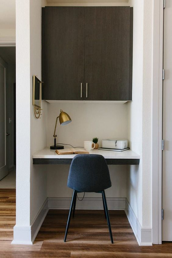 built-in-small-workspace-design