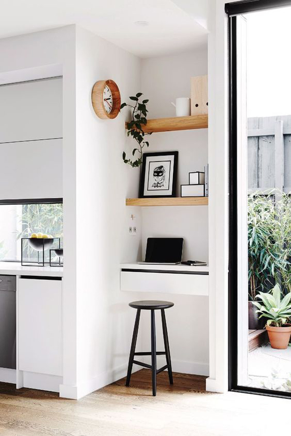 built-in-tiny-home-office-design