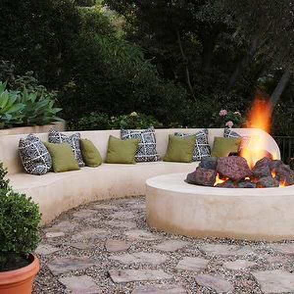 concrete-backyard-curved-benches-with-fire-pit-ideas