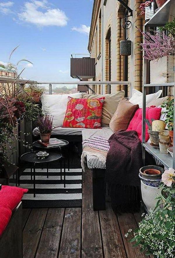 cozy-balcony-furniture-design