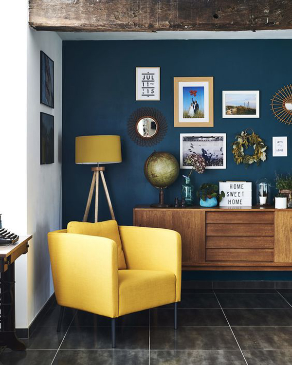 cozy-reading-chair-with-blue-accent-wall-and-gallery-ideas