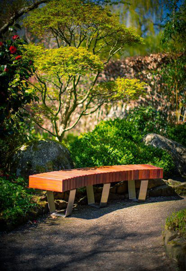 curved-benches-floating-seating-for-backyard