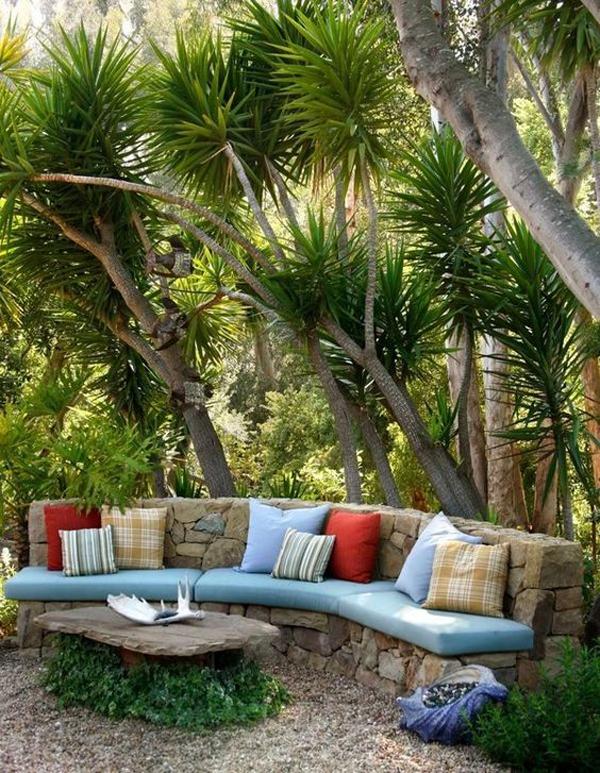 curved-benches-outdoor-garden-ideas