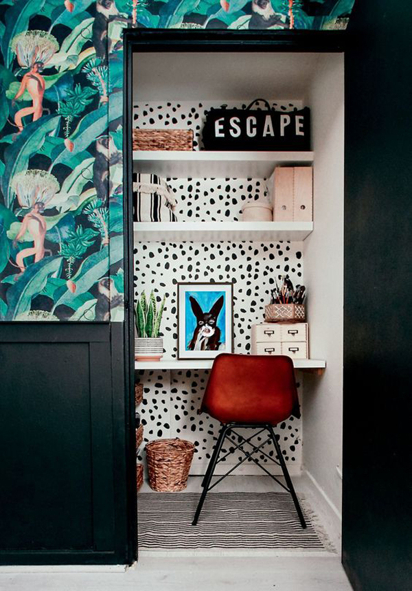 cute-built-in-home-office-design