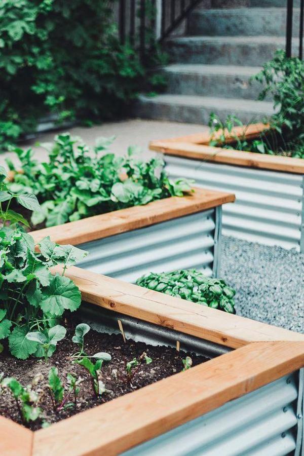 diy-metal-raised-bed-garden