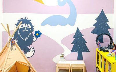 fun-animal-wall-mural-for-playroom