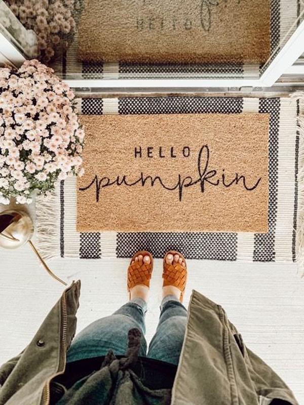 hello-pumpkin-doormat