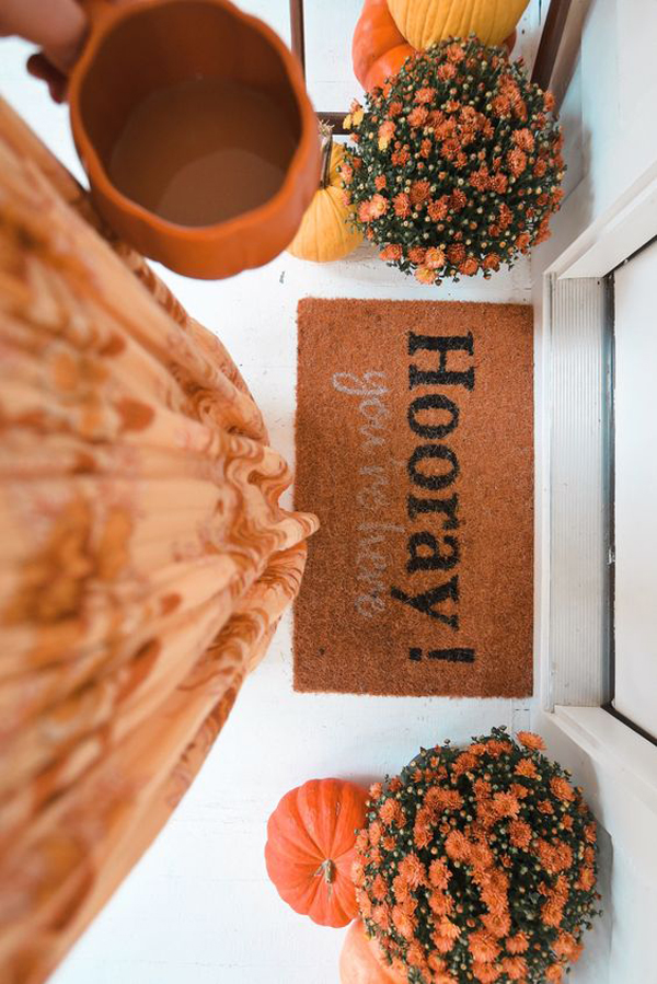 holiday-doormat-for-front-porch