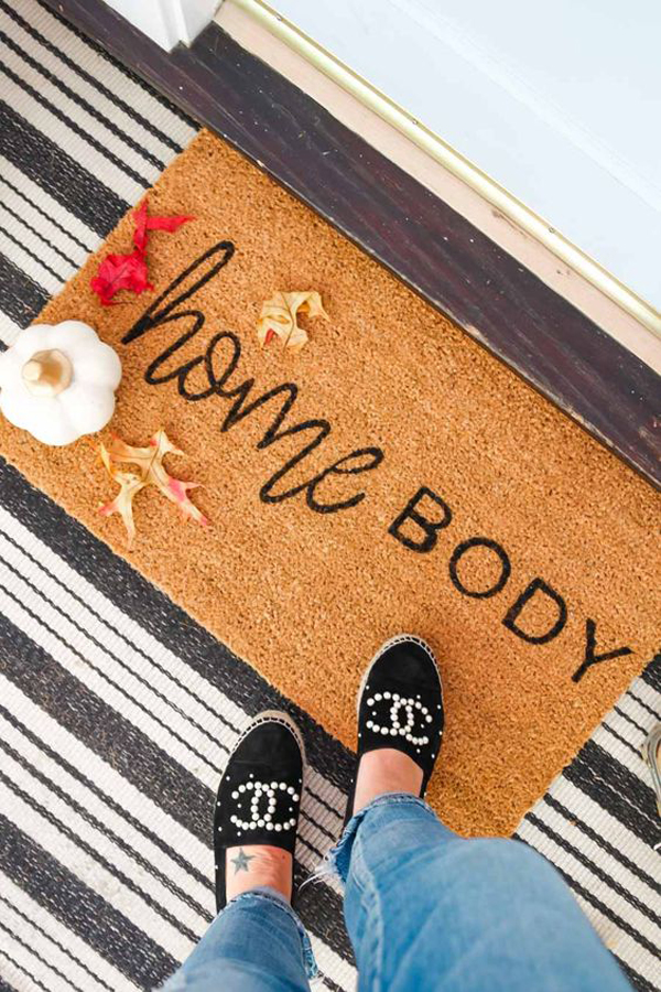home-body-doormat-with-beach-accent
