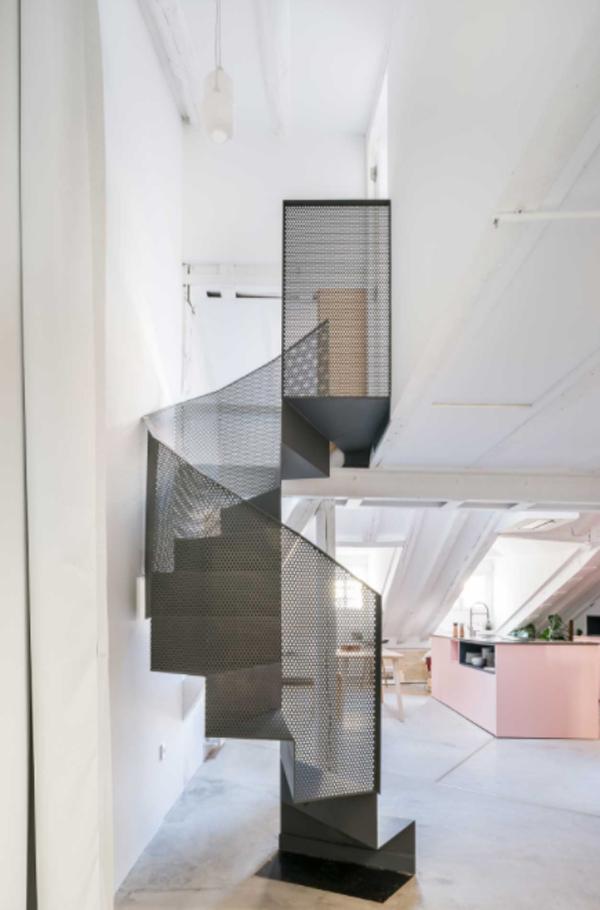 indoor-spiral-staircase-design