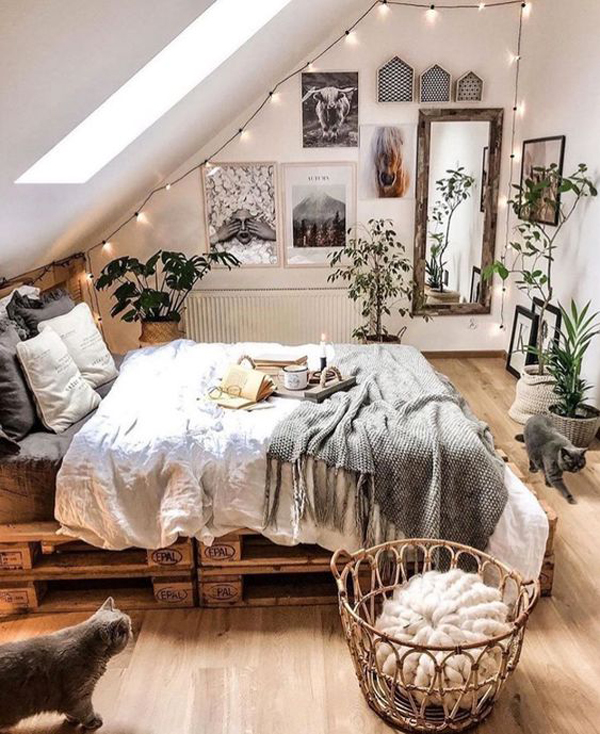 loft-bohemian-bedroom-with-wooden-element