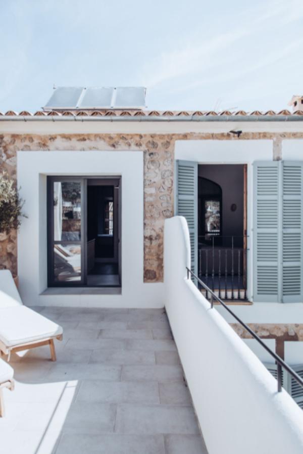 mediterranean-balcony-design