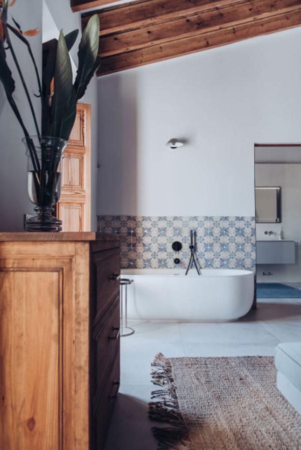 mediterranean-bathtub-design