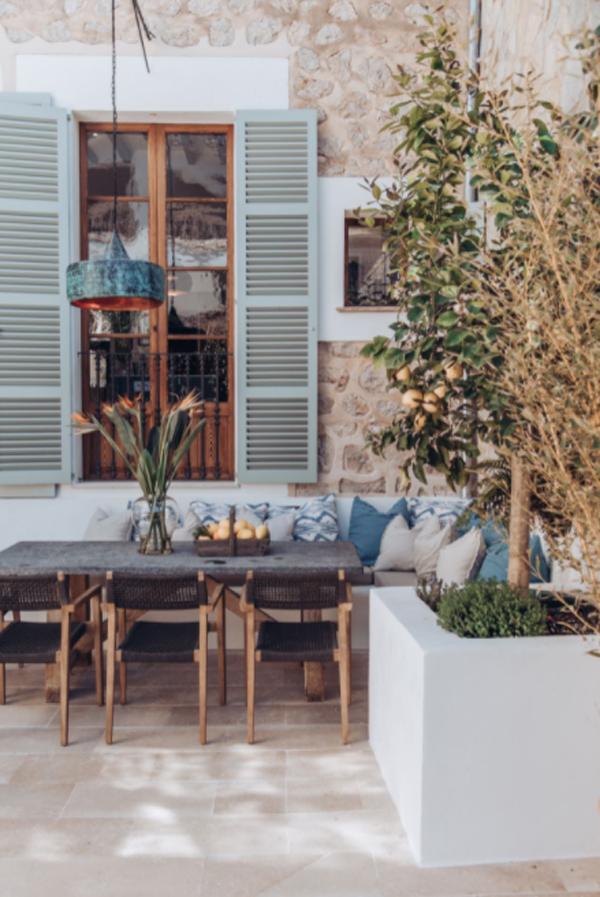 mediterranean-outdoor-patios