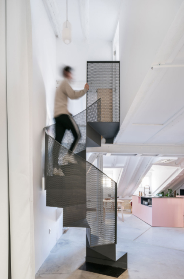 metal-spiral-staircase-design-for-indoor