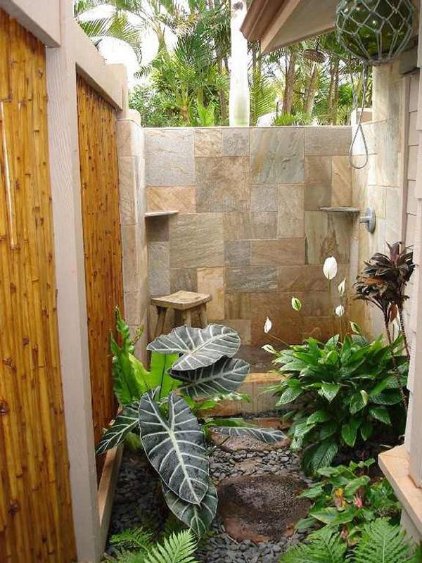 nature-inspired-indoor-outdoor-bathrooms-with-garden