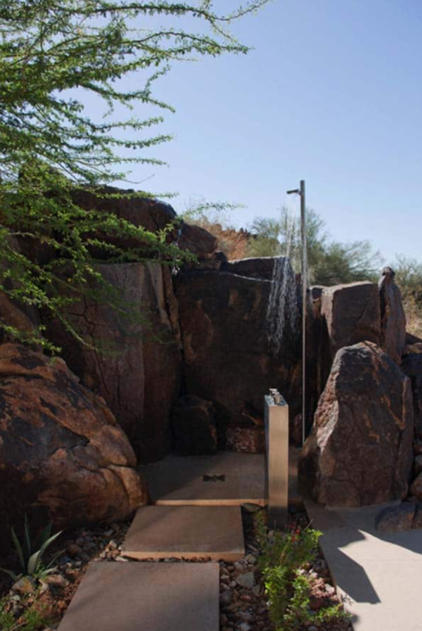 nature-mountain-outdoor-shower-with-barrier-ideas