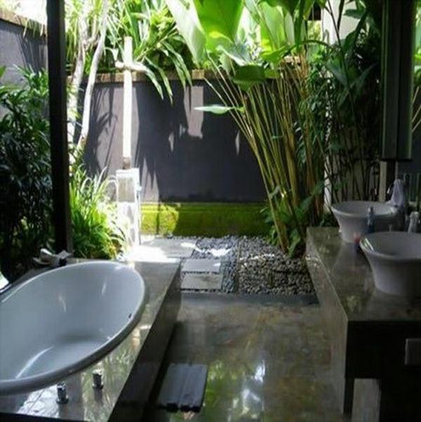 outdoor-bathrooms-with-indoor-gardens