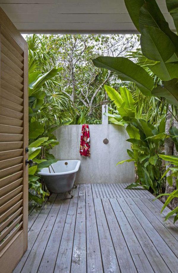 outdoor-summer-bathroom-with-indoor-gardens