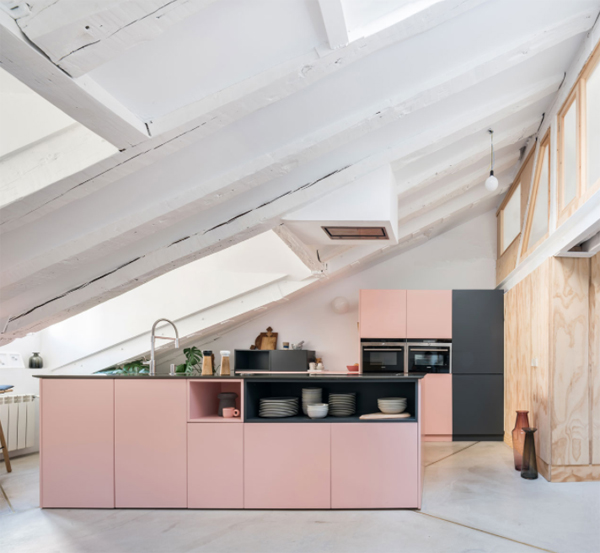 penthouse-apartment-with-pink-kitchen