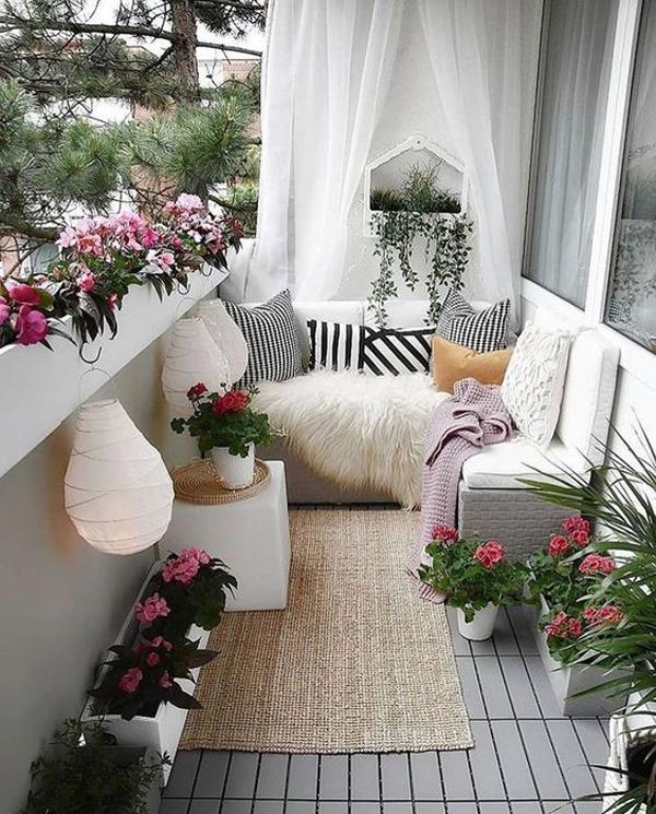 pretty-balcony-flower-decor