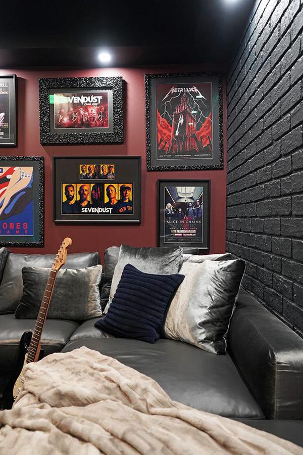 rock-n-roll-grunge-living-room-design