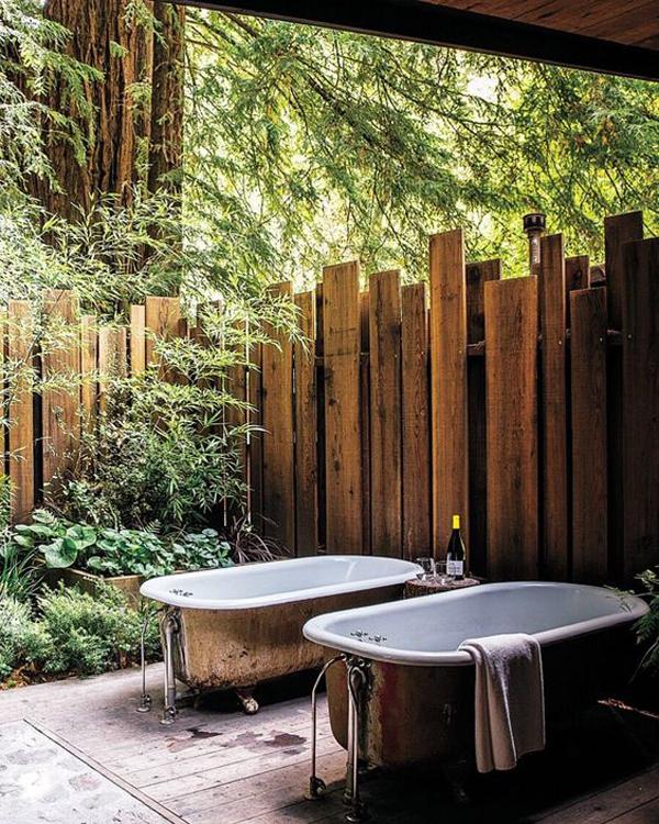 rustic-outdoor-bathtubs-with-indoor-natural-garden