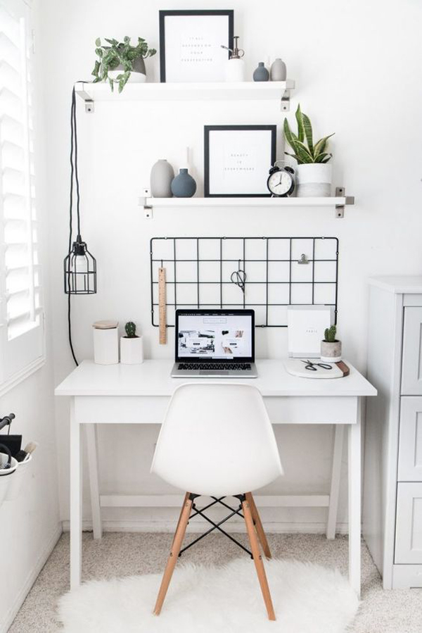 scandinavian-inspired-home-office-for-tiny-space