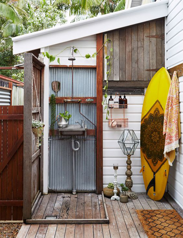 simple-diy-outdoor-showers-with-beach-vibe