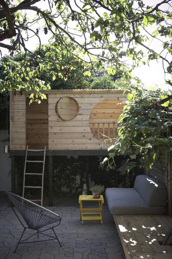 small-backyard-spot-with-fun-areas