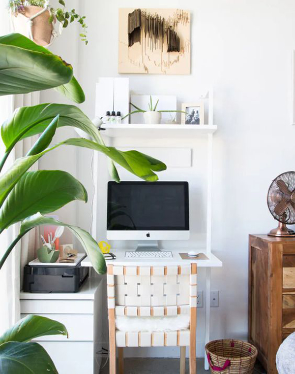 small-home-office-with-functional-desk