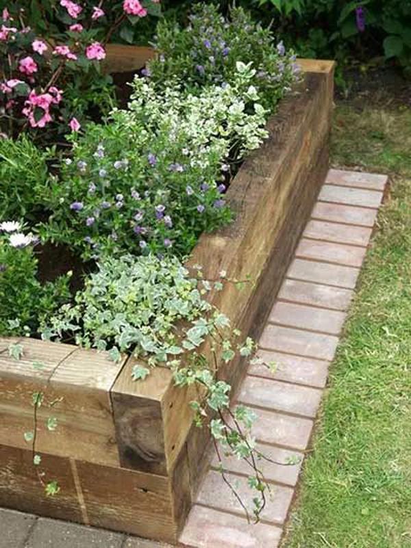 small-wood-raised-bed-garden-ideas