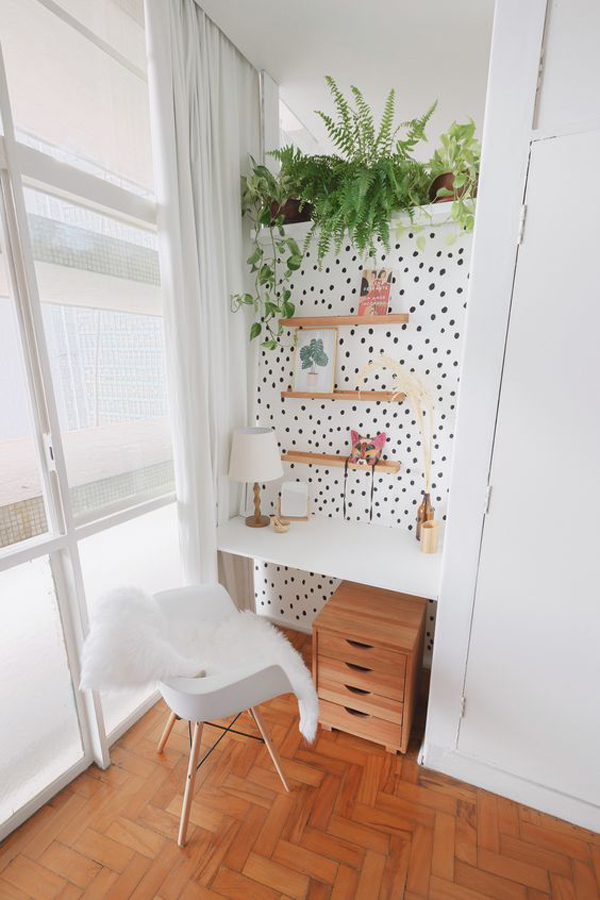 tiny-home-office-with-polkadot-accent-walls