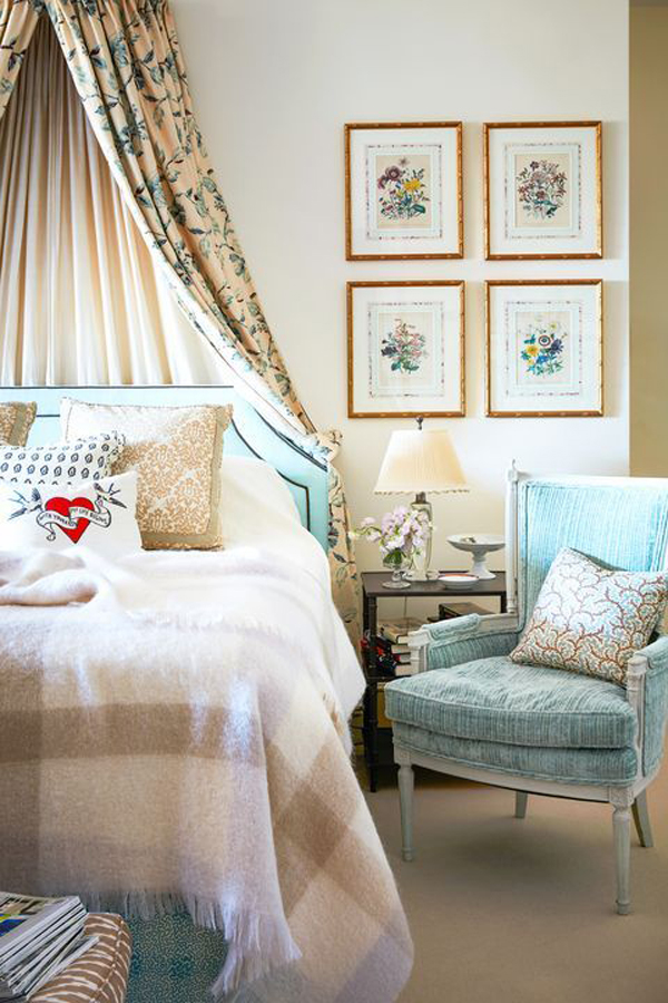 vintage-bedroom-with-canopy
