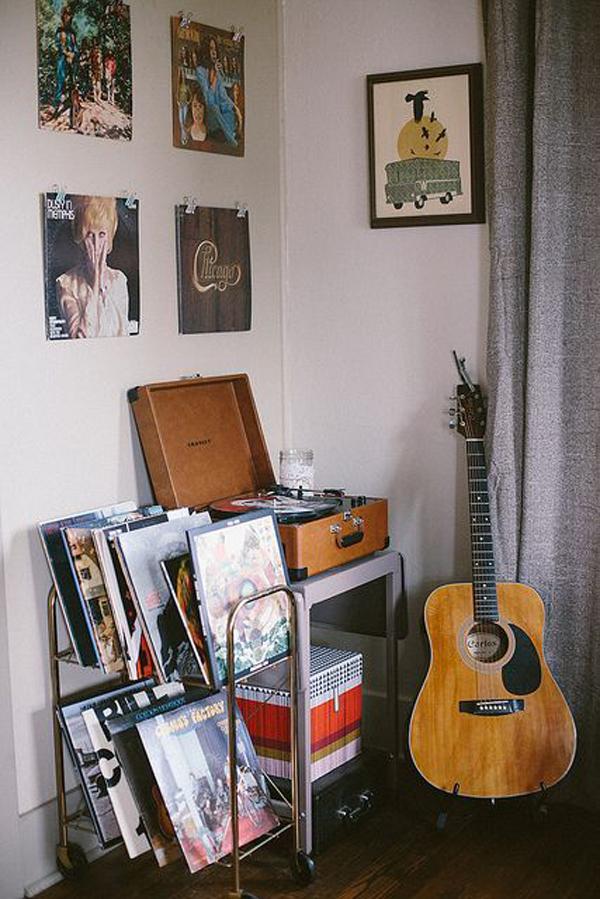 vintage-grunge-music-room-ideas