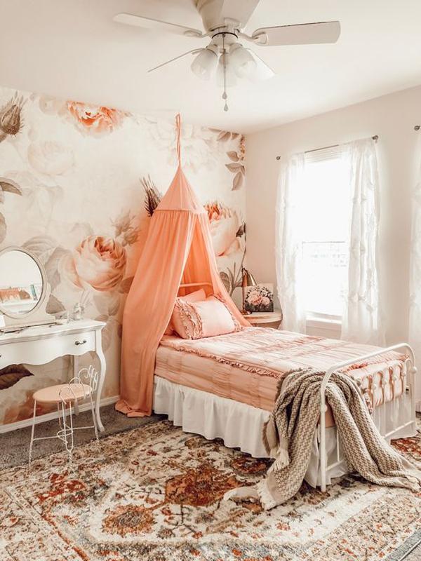 vintage-blush-and-floral-bedroom-motifs