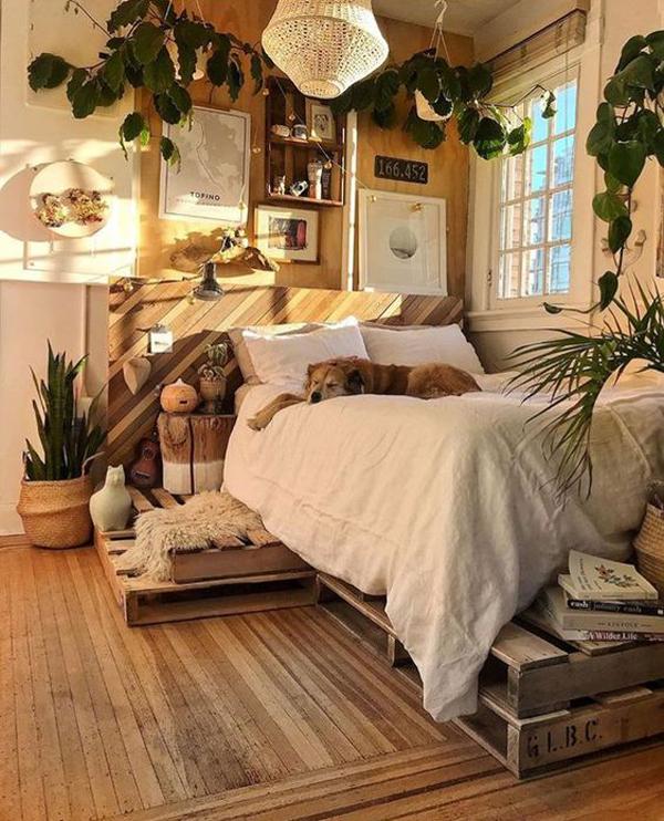 wooden-bedroom-design-with-indoor-houseplants