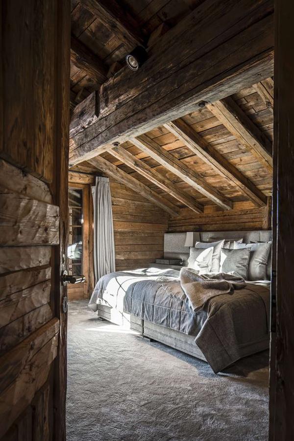 wooden-townhouse-bedroom-design