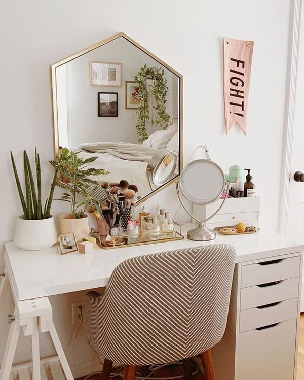 adorable-vanity-room-decor