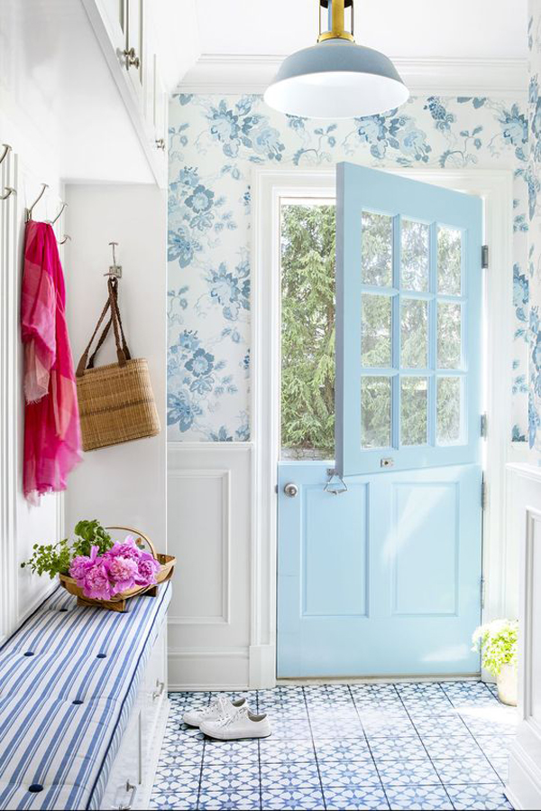beautiful-blue-mudroom-design-with-floral-decor