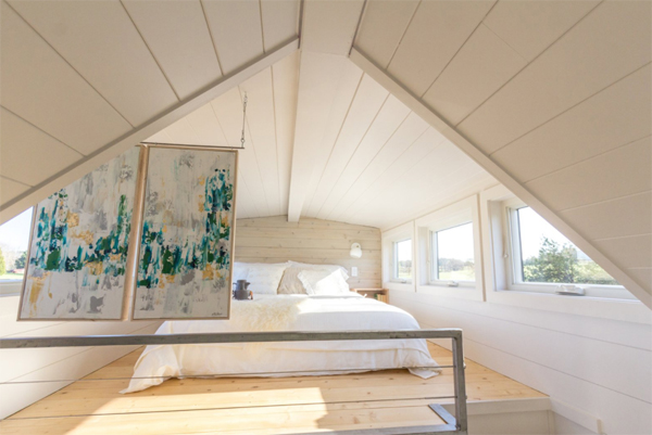 beautiful-loft-tiny-bedroom