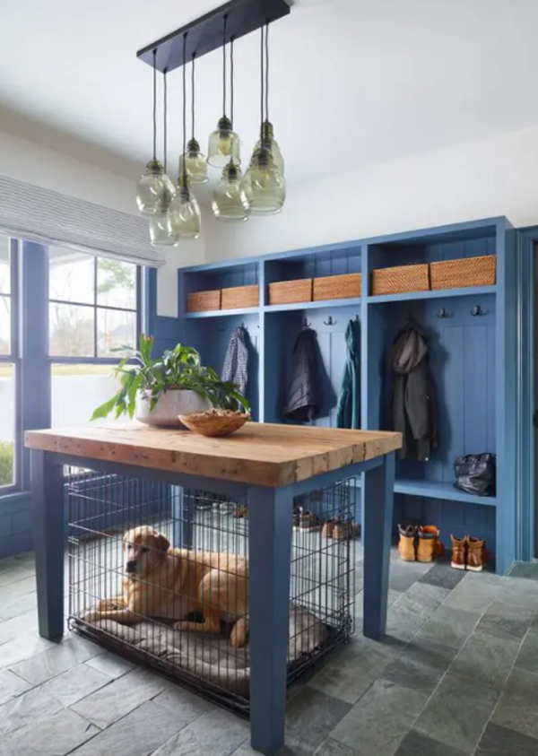 blue-farmhouse-entryway-with-dog-crate-tabletop