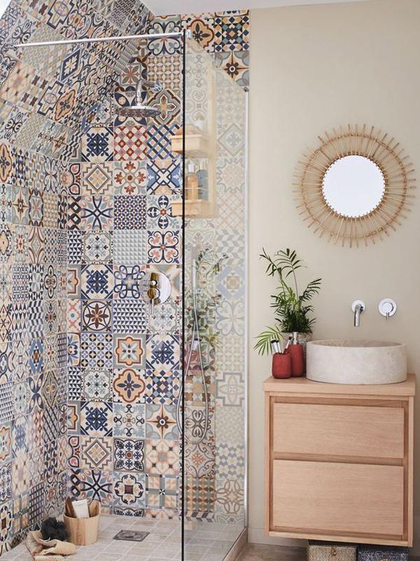 boho-bathroom-mosaic-tile-design