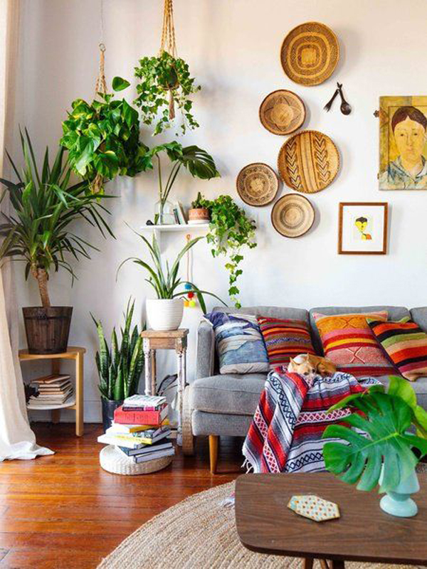 boho-chic-living-room-with-plants