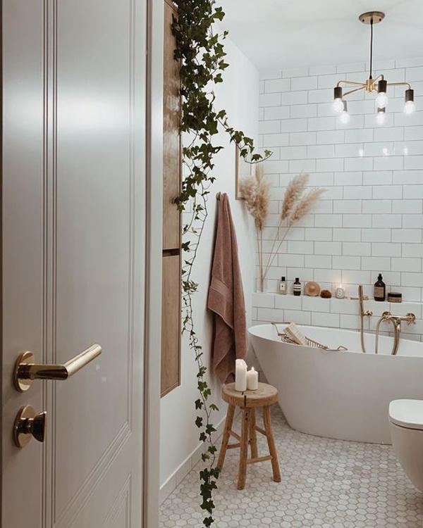 boho-chic-spa-inspired-bathroom