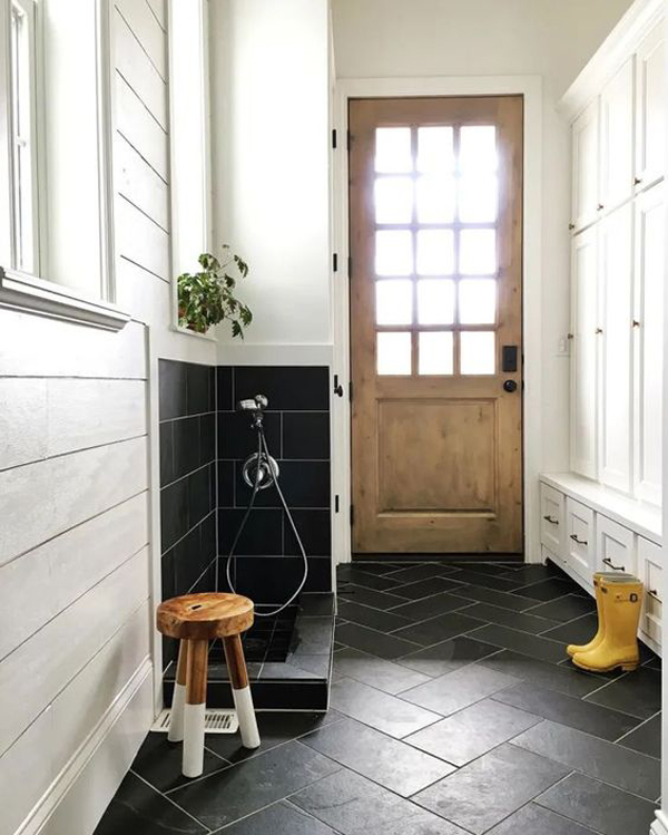 cool-diy-mudrooms-with-dog-washing-station