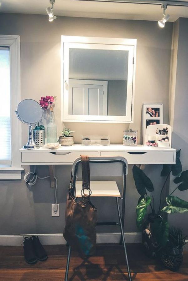 cozy-diy-vanity-room-with-indoor-plants